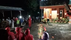 Babinsa Koramil Kajen Pantau Pemakaman Jenazah Suspek Covid - 19