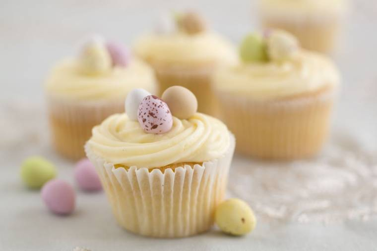 Vanilla Easter Cup Cakes: Easter Baking How To Make