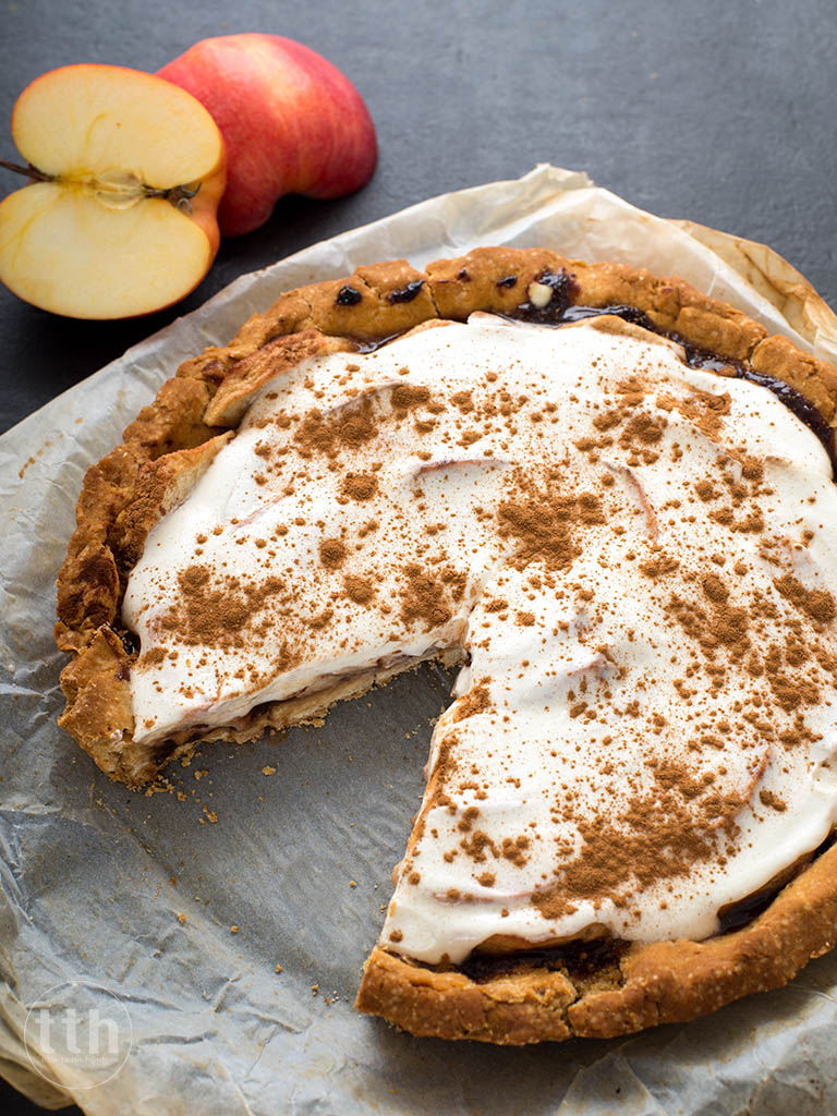 Tarta z jabkiem, powidlami i smietana kokosowa - przepis weganski, bezglutenowy, bez cukru