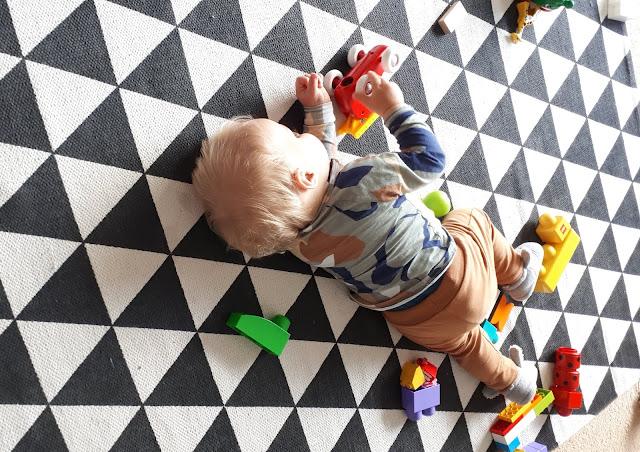 kaksivuotishaastattelu, brion auto, dublot, poika, kaksivuotias