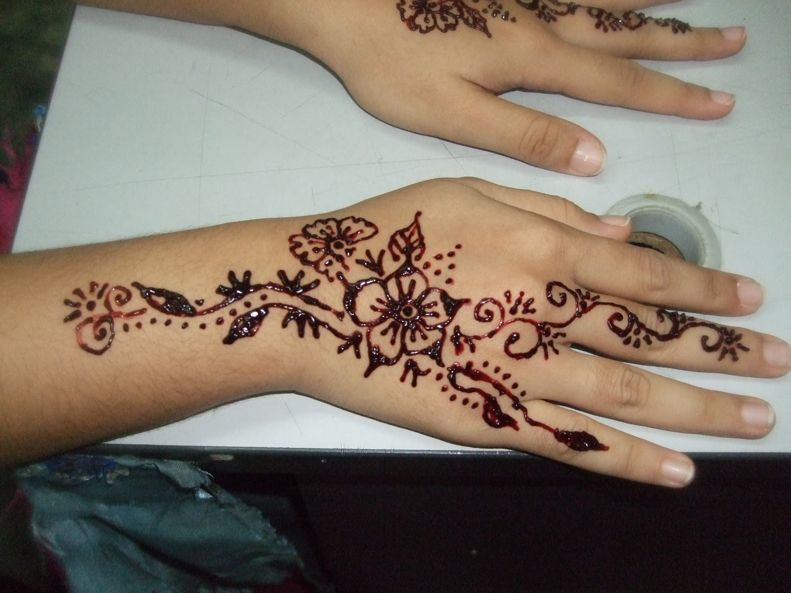 29 Awesome Henna Simple Jari Tangan Makedes Com