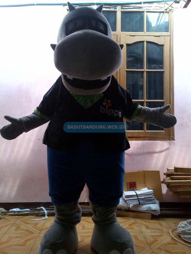 Gambar badut badak maskot bippo