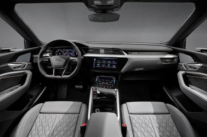 Audi e-tron Black Edition 2021 - 'mảng tối' của xe điện cao cấp