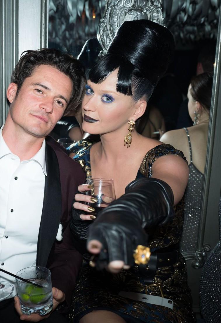 Ki most Katy Perry randevú
