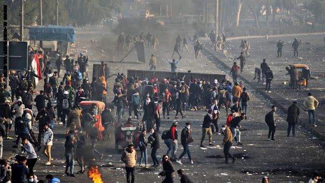 تصاعد الاحتجاجات في العراق ومواجهات عنيفة بين قوات الأمن والمتظاهرين