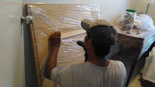 Warih Homestay : Proses Drill Untuk Memasang Bracket