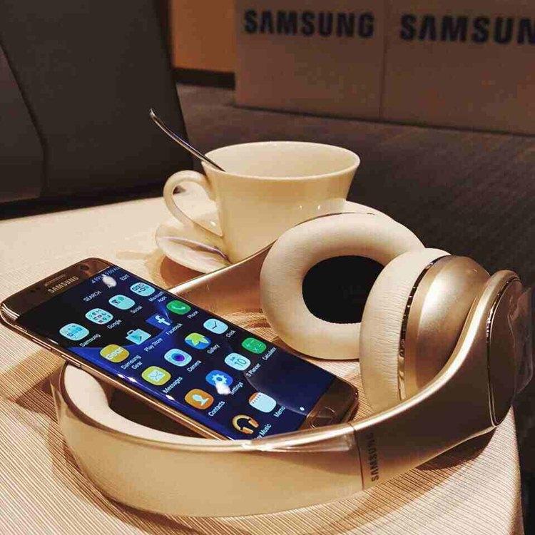 FREE Samsung Galaxy S7 plus Samsung Gear VR