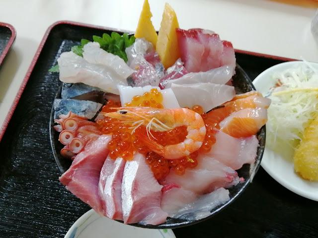 長崎水産食堂特盛海鮮丼