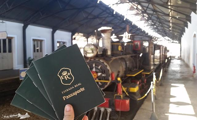 Maria Fumaça e o passaporte da Estrada Real.