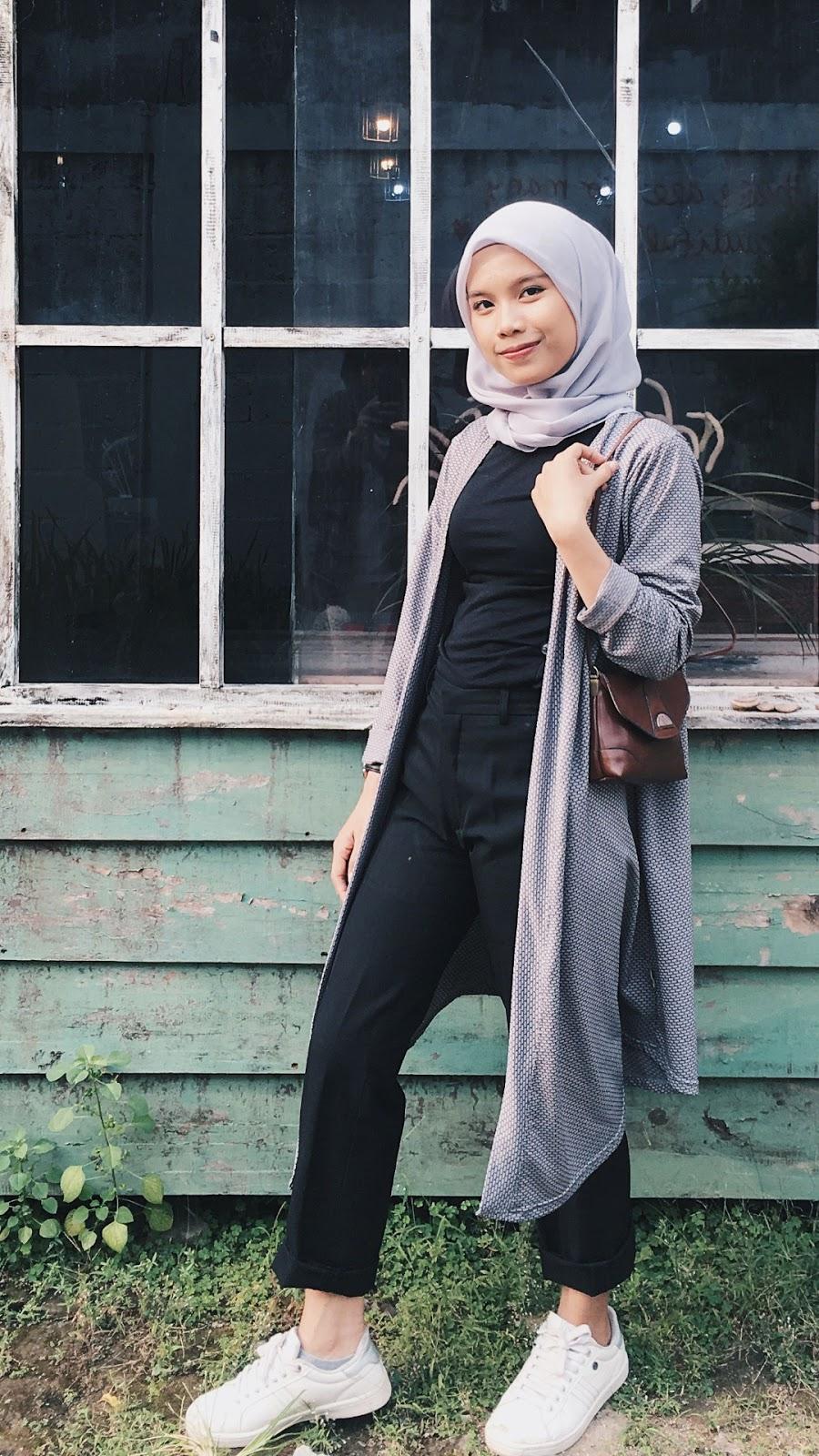 wallpaper muslimah cantik hijab cewek manis baju ketat dan seksi manis