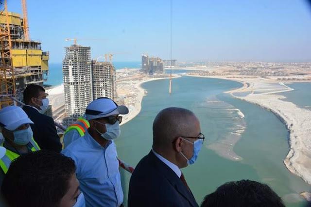 وزير الإسكان يقوم بجولة موسعة لتفقد المشروعات المختلفة بمدينة العلمين الجديدة