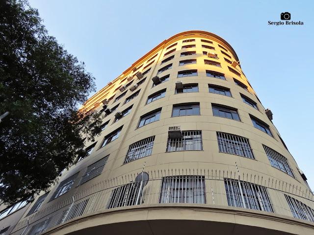 Perspectiva inferior do Prédio Lex - Sé - São Paulo