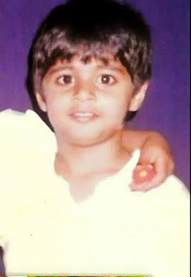 Niranjan Deshpande Childhood