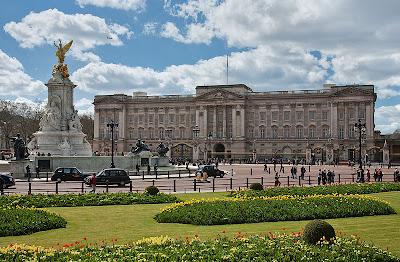 Buckingham Sarayı Girişi