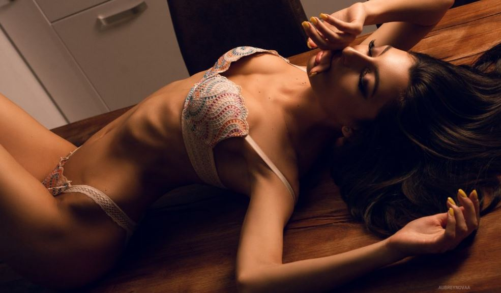 AubreyNovaa Model GlamourCams