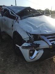 SW4 fica destruída após capotar várias vezes em estrada na cidade de Paulino Neves