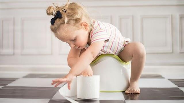Όλα όσα πρέπει να γνωρίζετε για τη συχνοουρία στα παιδιά