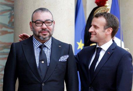 ملك المغرب يُهَاتِفْ ماكرون حول إقصاء الرباط، ودعوة الجزائر للمشاركة من مؤتمر برلين بشأن الأزمة في ليبيا.
