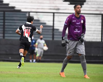 Com hat-trick de Germán Cano, Vasco vence o Macaé por 3 a 1