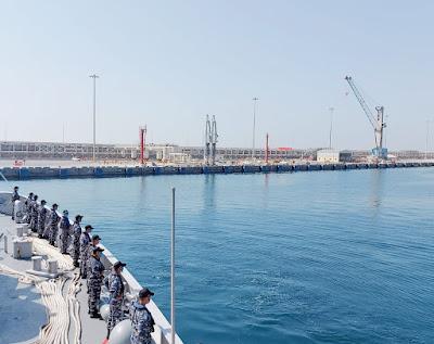 Laksanakan Misi Perdamaian Dunia, KRI SIM-367 Tiba di Salalah Oman