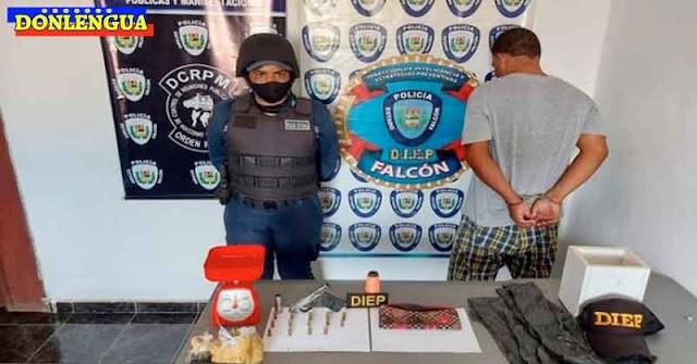 Homicida detenido con drogas y municiones en Falcón (Es el de la derecha)