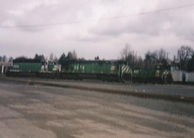Burlington Northern C30-7 #5575 & SD40-2 #6334 in Vancouver, Washington, in March, 1997