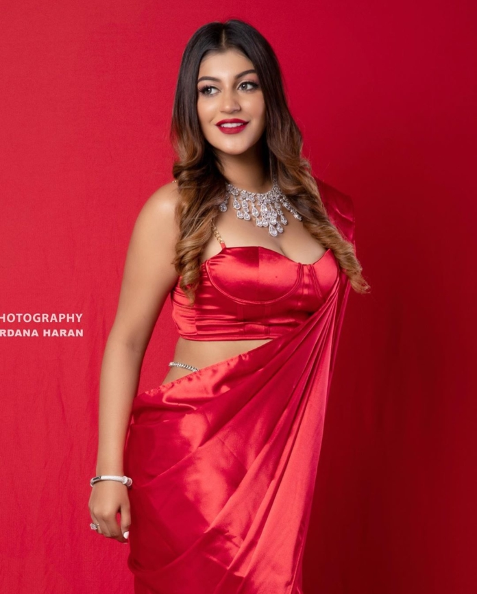 Yashika Aannand Super Hot In Red Saree Photos