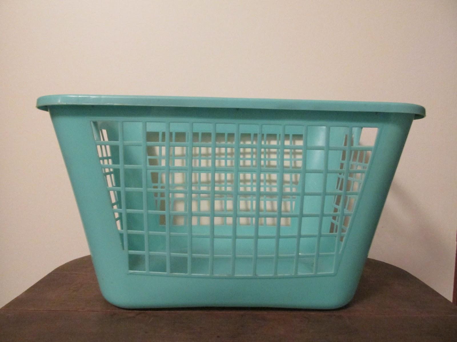 The Retro Redhead: Vintage Rubbermaid Turquoise Laundry Basket