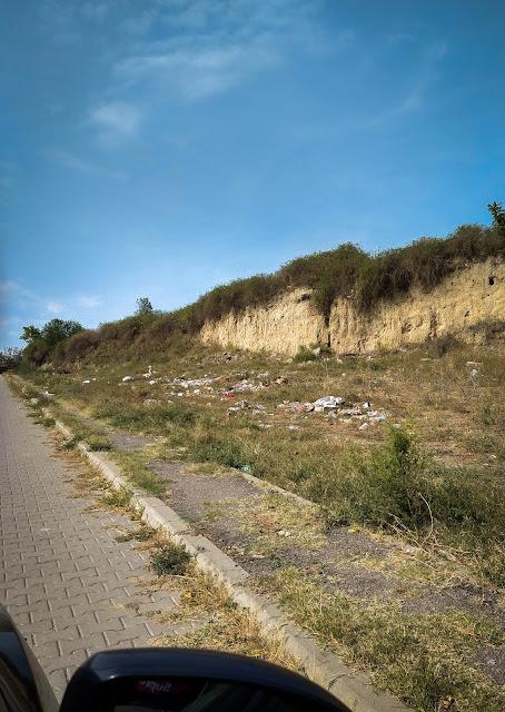 Gunoaiele de langa Cetatea Sucidava, Corabia