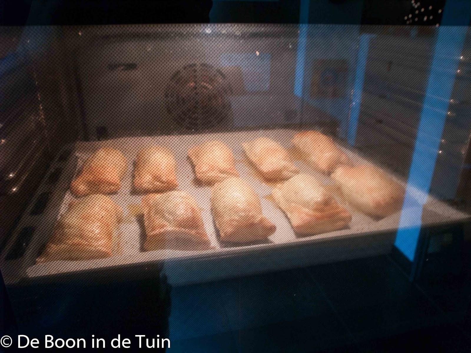 saucijzenbroodje recept worstenbrood brabant zelf bakken winter
