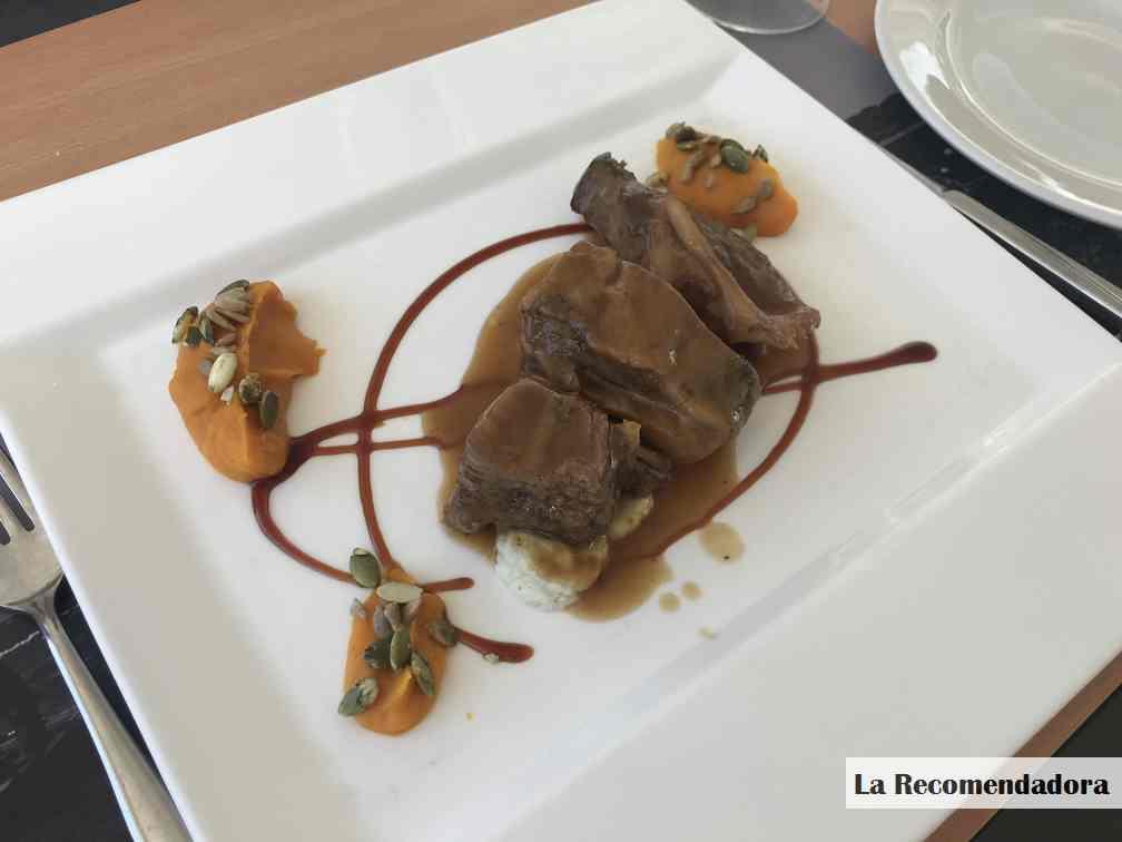 Media ración de galete (cococha) con salsa amontillado y calabaza especiada. Restaurante EL Campero de Barbate. Precio: 15,75€