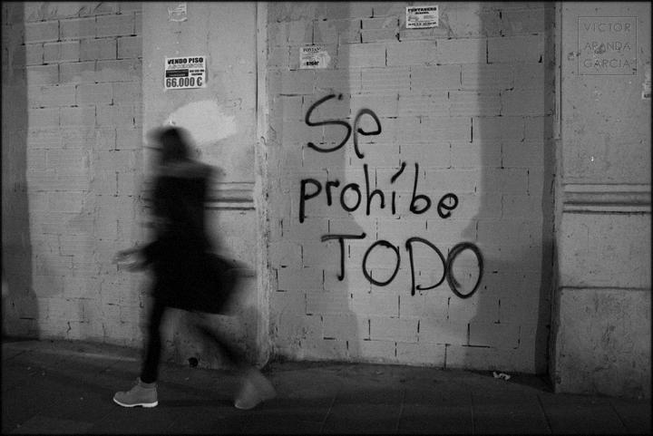 valencia, fotografia, arriba_extraña, se_prohibe_todo