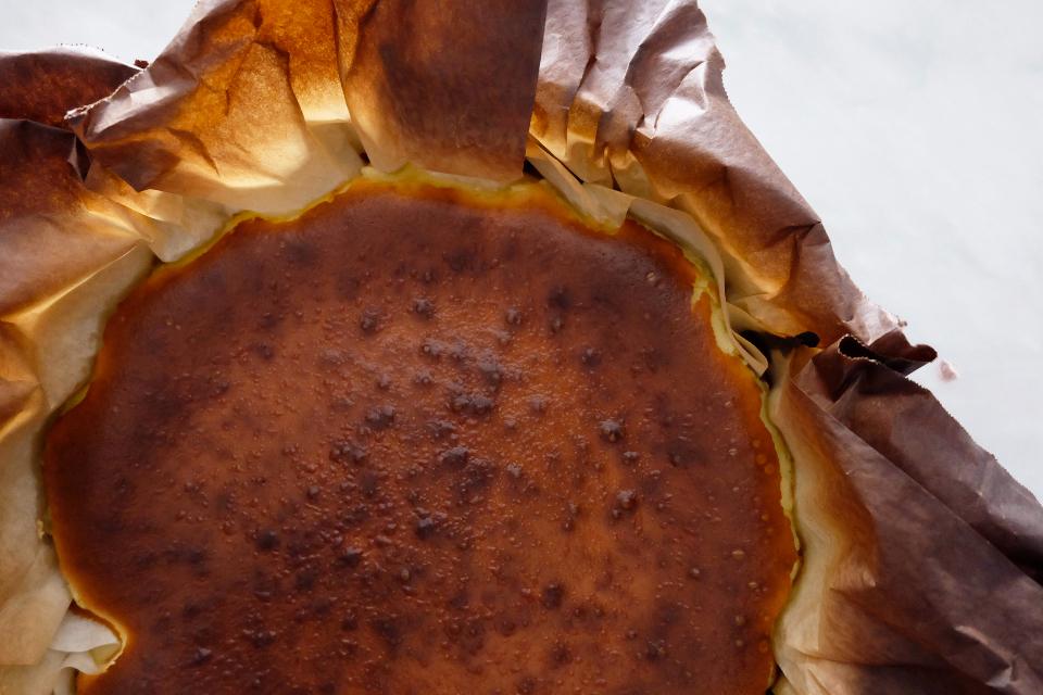 burnt basque cheesecake close up