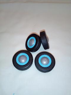 ruedas para coche a escala