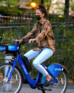 katie holmes riding electric citi bike in the lower manhattan ny 10 20 2020 1