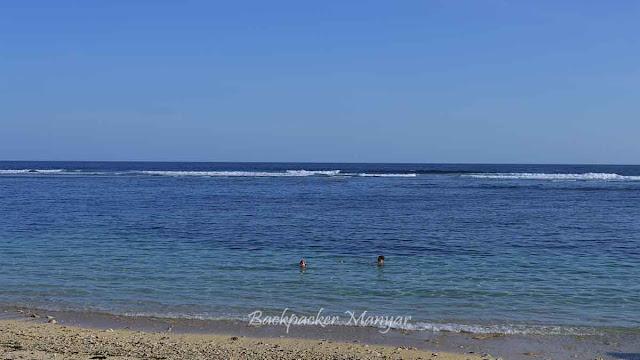 Berenang di Pantai Gunung Payung Bali