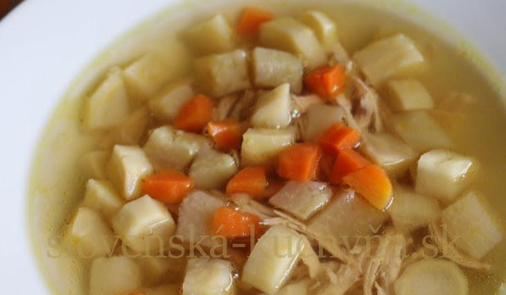 Kuracia polievka s kalerábom