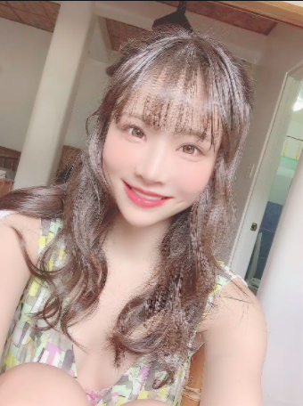Japanese  AV Idol Yoshioka Hiyori