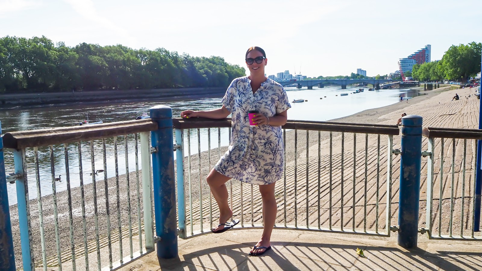 coffee on Putney Embankment overlook the River Thames