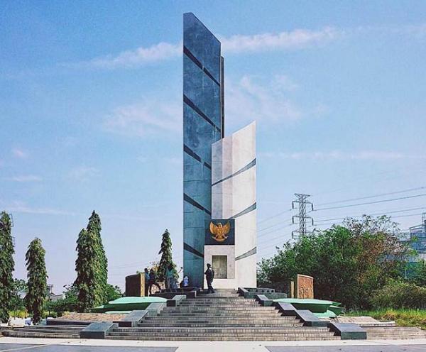 tempat wisata di surabaya Taman Makam Pahlawan Sepuluh Nopember