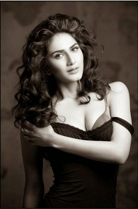 Glamour Desi Actress Pictures Hot Vaani Kapoor Stills
