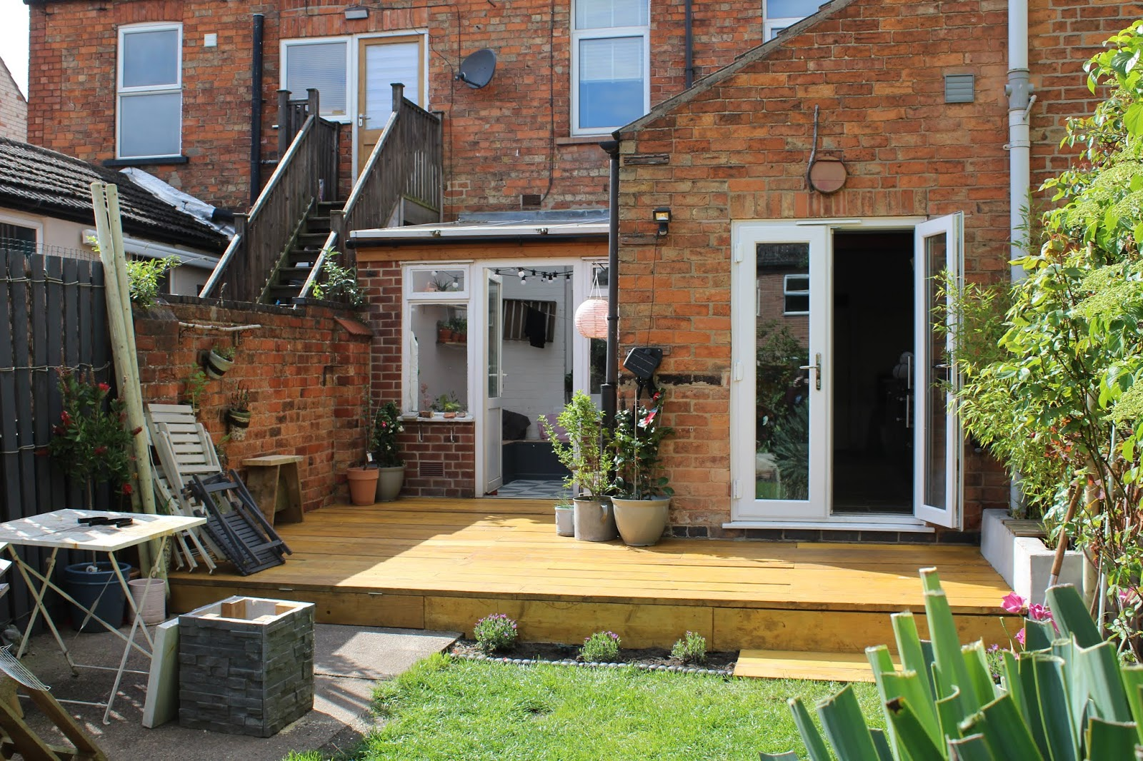DIY Scaffold Decking in Garden