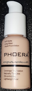 Review-Swatch-Phoera-Liquid-Foundation-#102-Nude