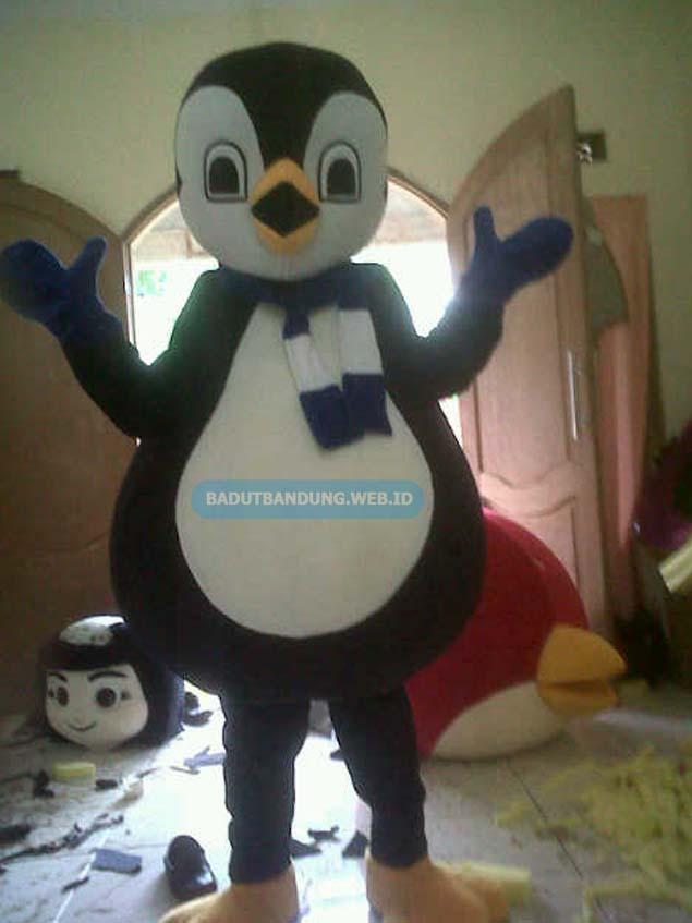 Pinguin badut maskot