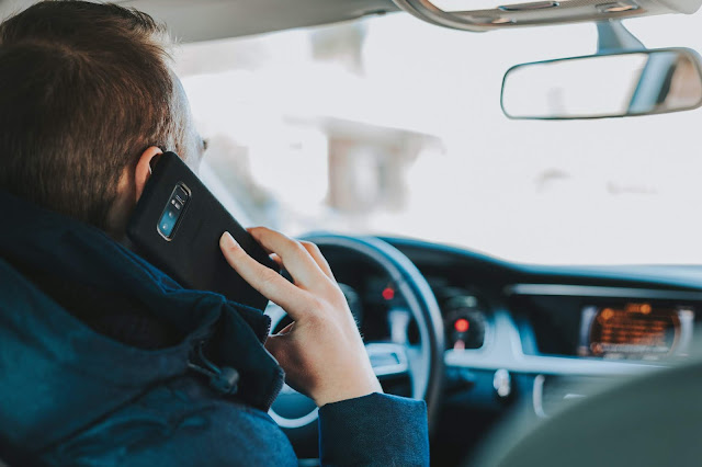 Uso do celular no trânsito