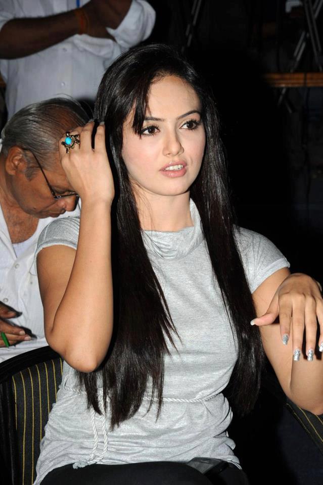 Hot Arab Sex Girl: Hot And Sweet Sana khan