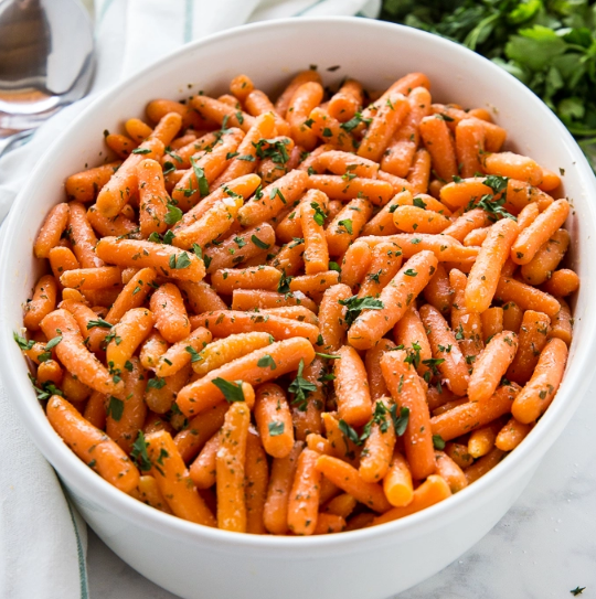 GARLIC BUTTER ROASTED CARROTS #carrot #vegetarian #easy #breakfast #dinner