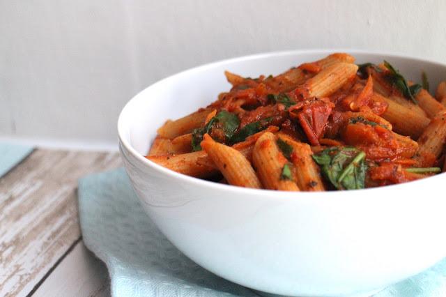 10 minute easy vegan tomato pasta sauce recipe