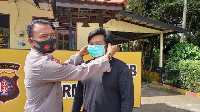 Polsek Benua Lima Bagikan Masker Gratis kepada Masyarakat