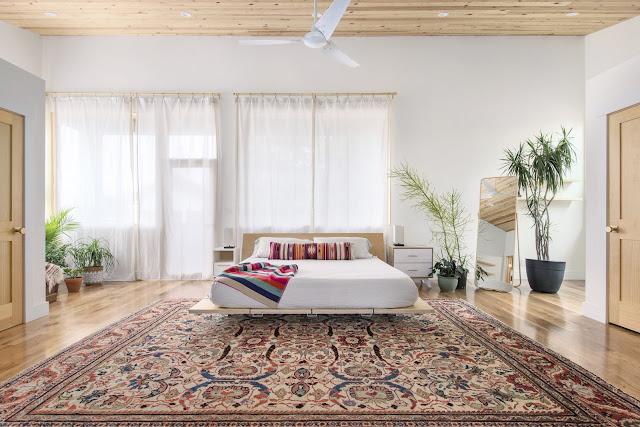แบบห้องนอนปูพรมที่พื้น